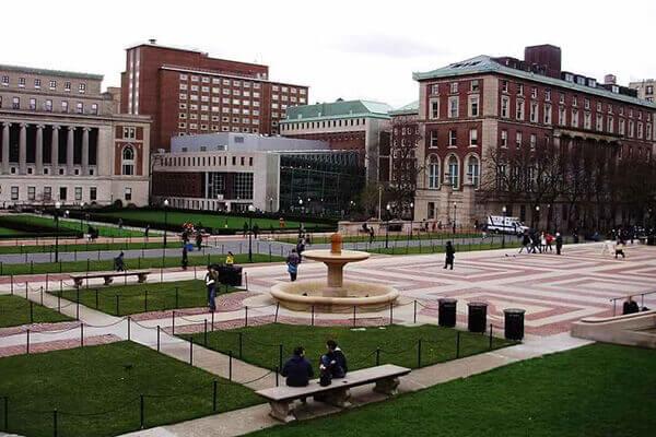 哥伦比亚大学公寓俯瞰整个纽约曼哈顿!美国E