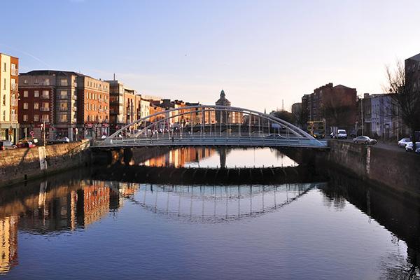 金阳光出国服务指南:爱尔兰对欧盟贡献度大增