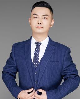 王新雨:留学总监