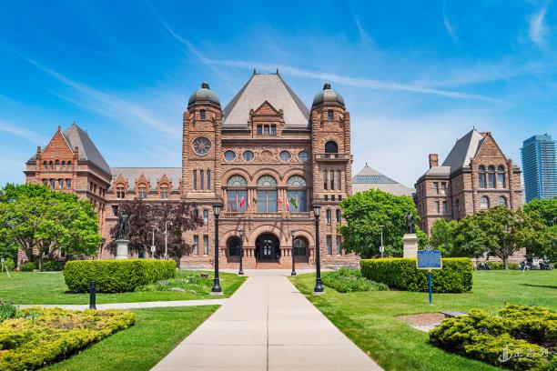 【加拿大留学】春季入学和秋季入学到底有什么区别?