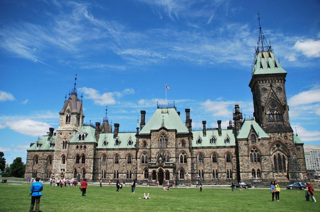 加拿大留学寄宿家庭和宿舍的区别!